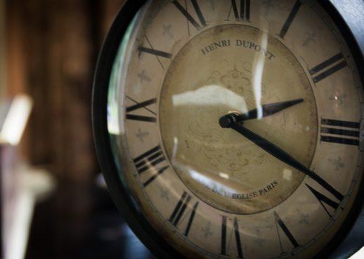 アンティークンの時計